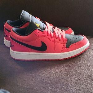 Air Jordan 1 Low Siren Red